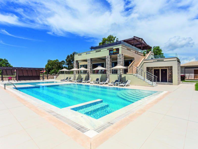 Niriides Luxury Villas: Ένα ονειρεμένο ξενοδοχείο με θέα το διάσημο κάστρο της Μεθώνης!