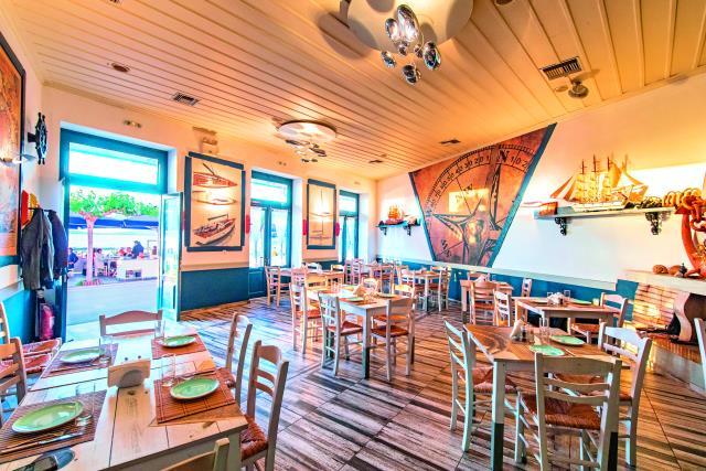 Poseidonia Beach Restaurant & Café, Πύλος