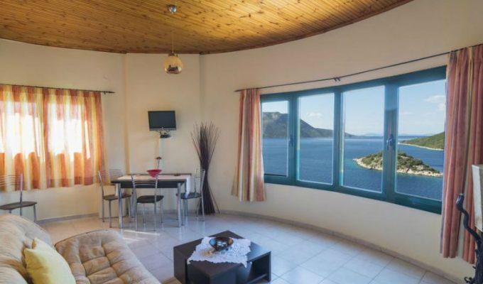 Μετέτρεψαν παλιό ανεμόμυλο σε διαμέρισμα! Βρίσκεται σε ελληνικό νησί και θα πάθετε πλάκα με το εσωτερικό του!