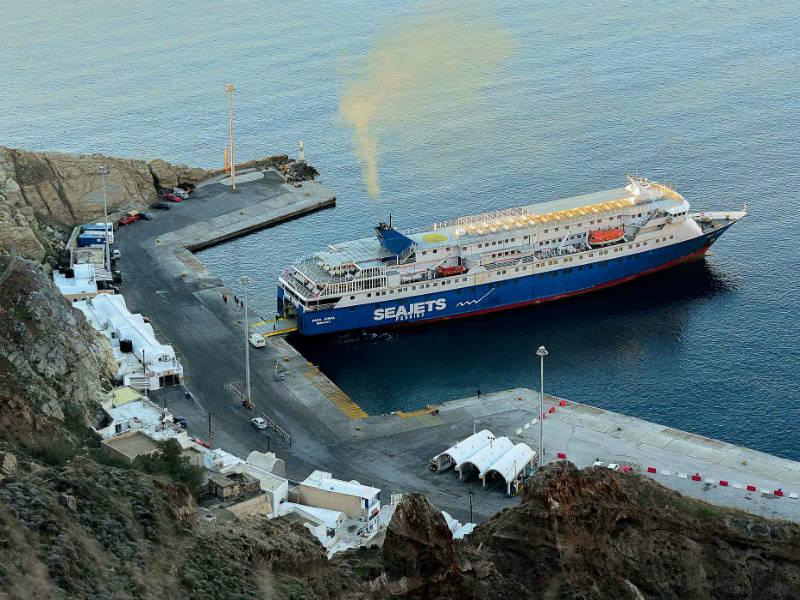 Το πλοίο «φάντασμα» στην Ανάφη που πλέον έχει γίνει… ανέκδοτο