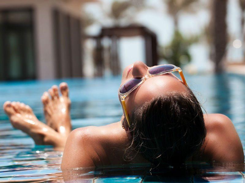 Αντηλιακό πισίνα