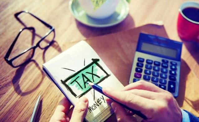 Τουριστικοί φόροι χρεώσεις