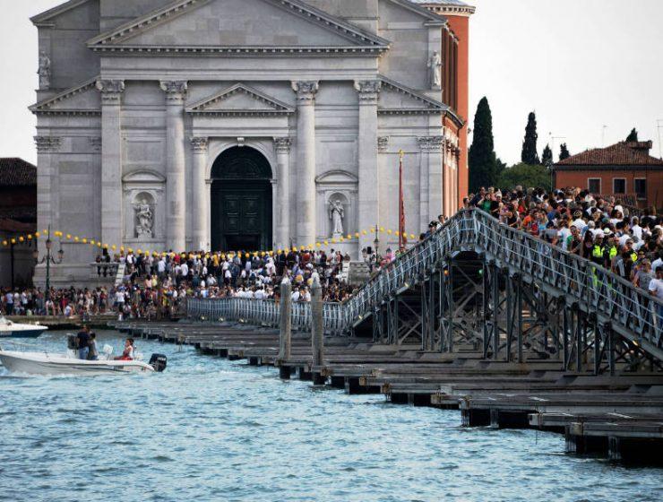 Η Βενετία διώχνει τουρίστες εφαρμόζοντας νέους κανονισμούς!