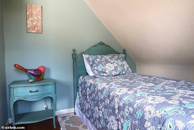 Airbnb Twilight Swan House