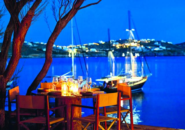 BeefBar Mykonos by night