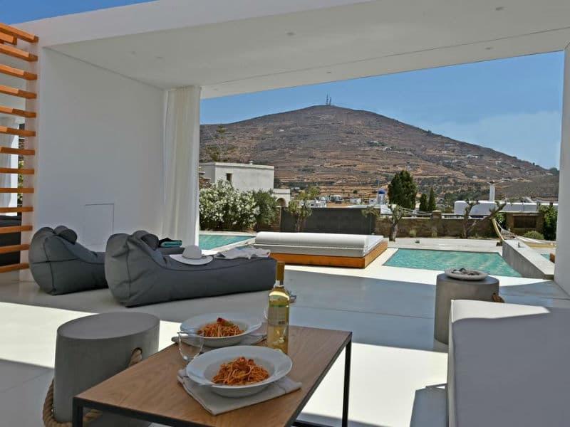 Οι ονειρικές βίλες στην Τήνο που έχουν βαθμολογία 9,8 στην booking! (Photos)