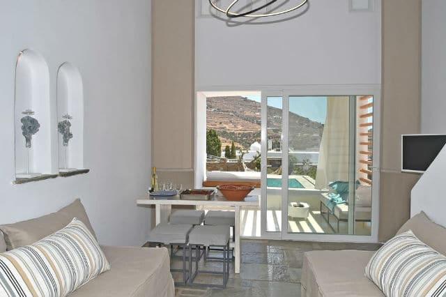 Tinos Blend Suites σαλόνι