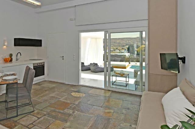 Tinos Blend Suites καθιστικό-τραπεζαρία