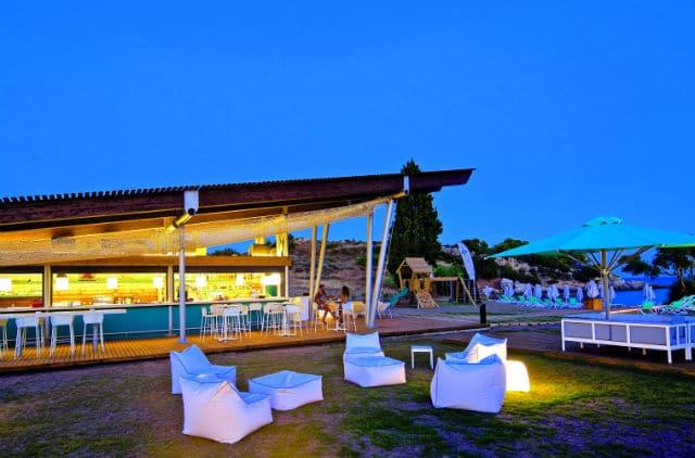 Godai beach bar