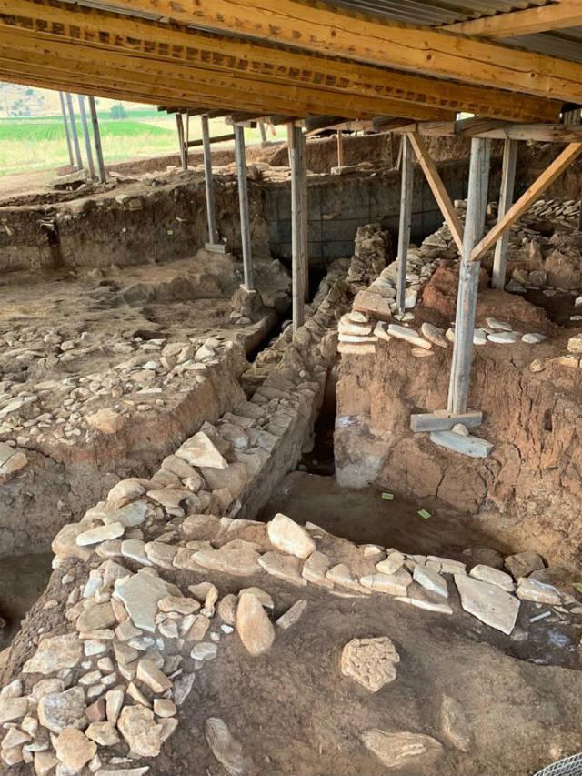 Κουτρουλού Μαγούλα - αρχαιολογικά ευρήματα