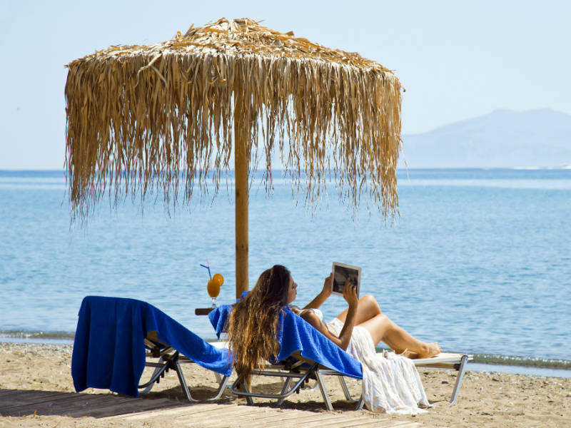 Makis Inn: Το ατμοσφαιρικό beach resort στην Ερμιόνη για διακοπές