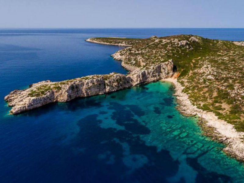 Το άγνωστο ελληνικό νησί που μοιάζει με... κροκόδειλο
