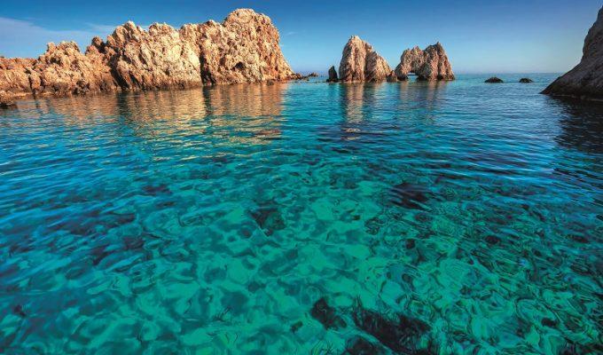 παραλία Αντίπαρος