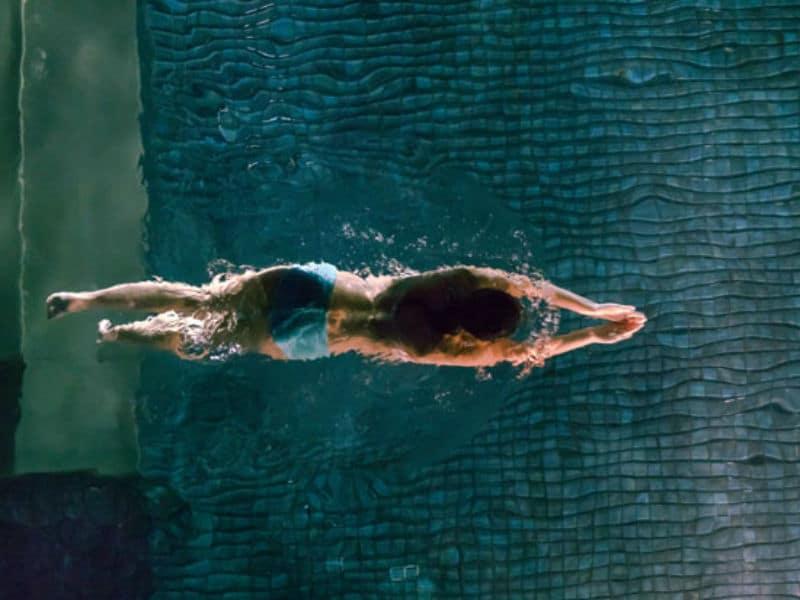 Βραδινό κολύμπι
