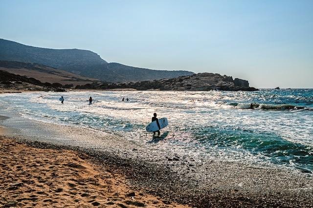 παραλία στην Αντίπαρο
