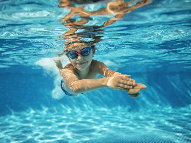 Οδηγίες για ασφαλή κολύμβηση σε πισίνα!