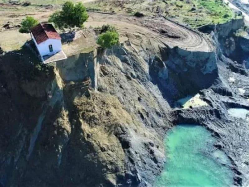 Το ελληνικό χωριό που... θυσιάστηκε για να ξεδιψάσει μια πόλη!