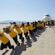 Στον Διεθνή Αερολιμένα Αθηνών «Ελευθέριος Βενιζέλος»... τραβήξανε ένα αεροπλάνο για καλό σκοπό!