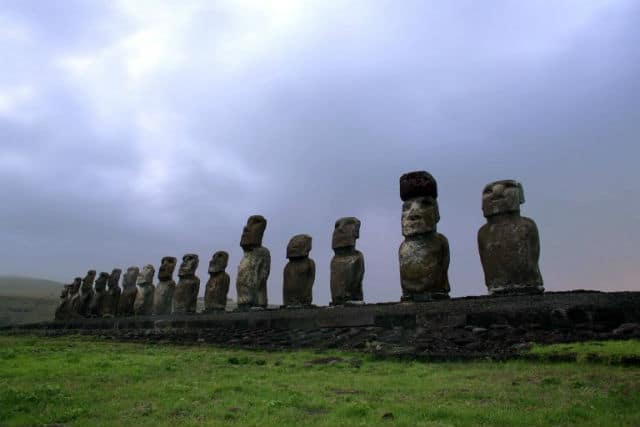 Νησί του Πάσχα αγάλματα
