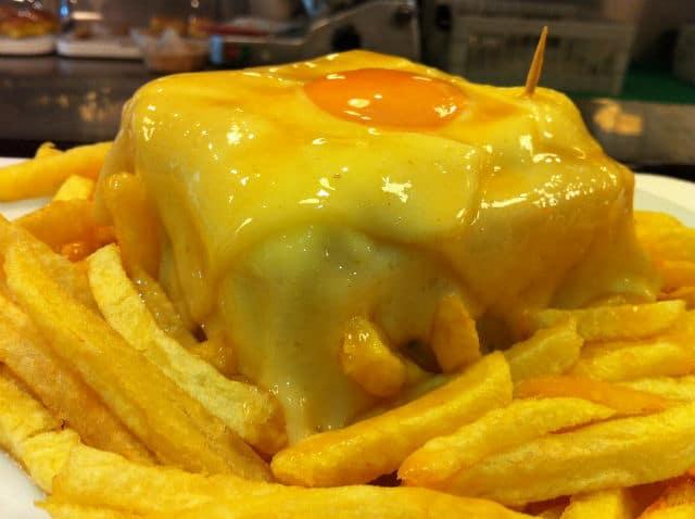 Francesinha - φαγητό Πόρτο