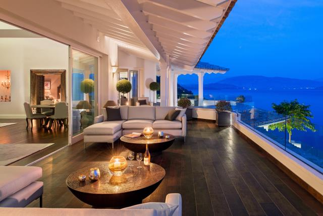 Grand Marine Corfu βεράντα