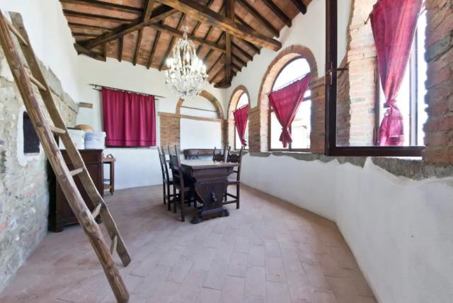 The Manor Master Chamber σοφίτα
