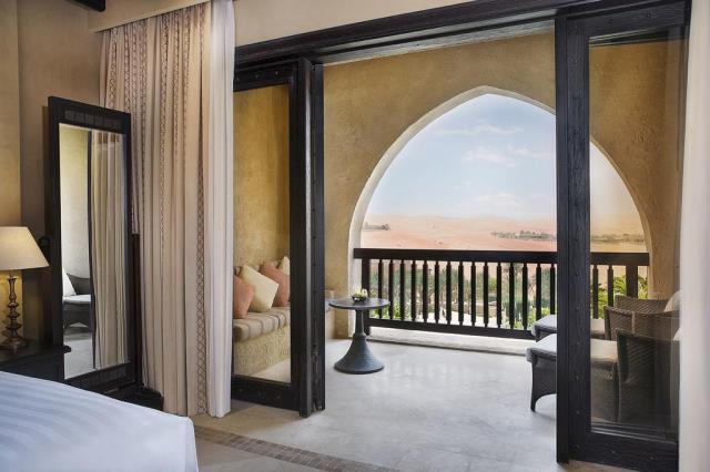 Qasr al Sarab Desert Resort, Άμπου Ντάμπι - βεράντα δωματίου