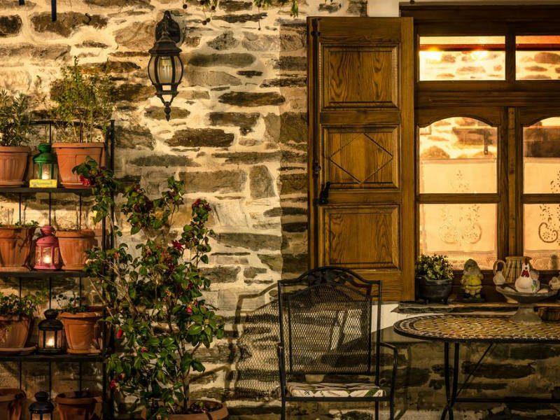 Μια υπέροχη vintage βίλα στην Πορταριά Πηλίου για τα πρώτα Σαββατοκύριακα του φθινοπώρου!