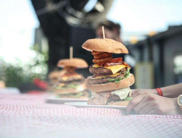 Burger Fest 2019: To μεγάλο φεστιβάλ με πρωταγωνιστή το αγαπημένο μας street food επιστρέφει στην Αθήνα!