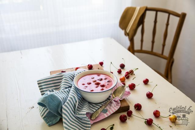 Gyümölcsleves (κρύα σούπα από φρούτα)