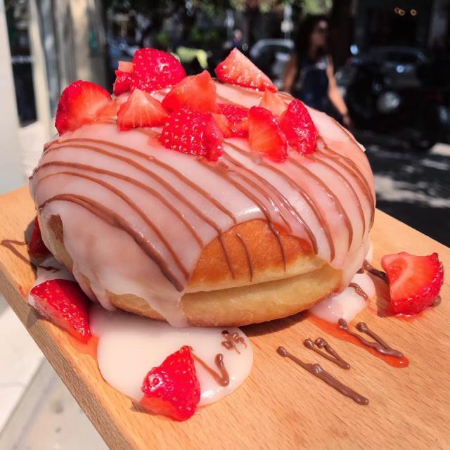 jerrys foodtruck - ντόνατ φράουλα