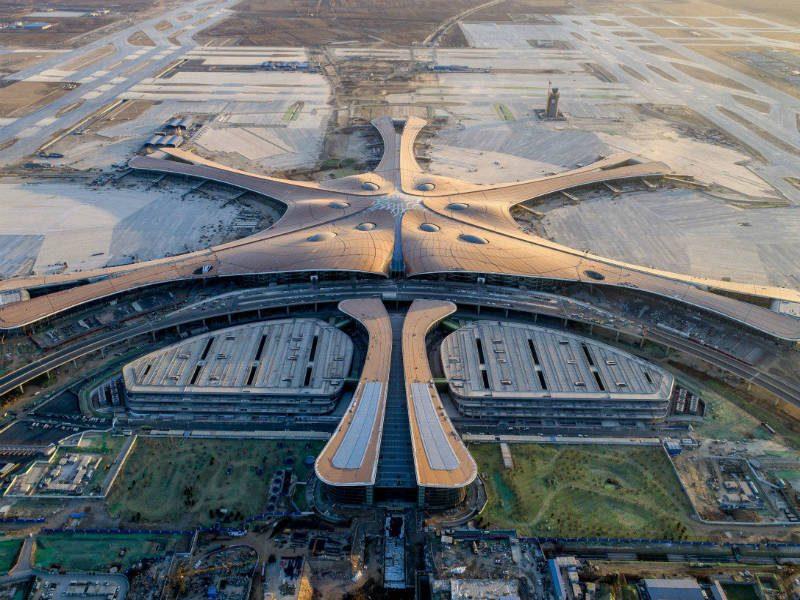 Σαν... διαστημόπλοιο το νέο εντυπωσιακό αεροδρόμιο του Πεκίνου!