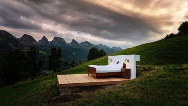 Null Stern Hotel κρεβάτι
