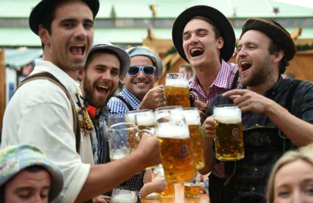 Oktoberfest - γιορτή μπύρας Μόναχο