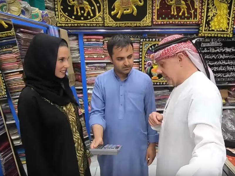 Ο Τάσος Δούσης κάνει παζάρια δίχως τέλος στις αγορές του παλιού Ντουμπάι! (video)
