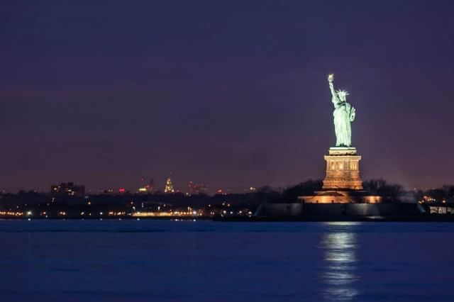 Άγαλμα της Ελευθερίας βράδυ
