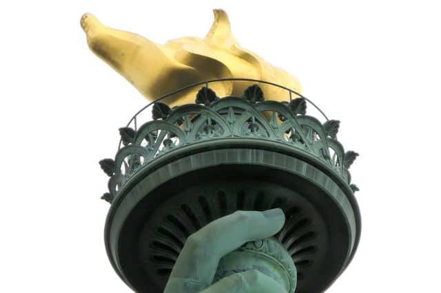 Άγαλμα της Ελευθερίας πυρσός