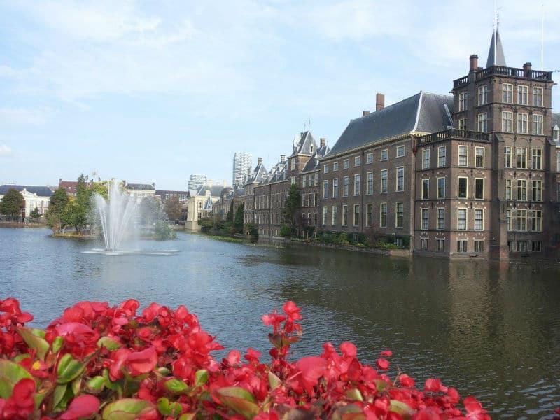 Άμστερνταμ: Η πιο «τραβηγμένη» προσπάθεια για την αντιμετώπιση του υπερτουρισμού!