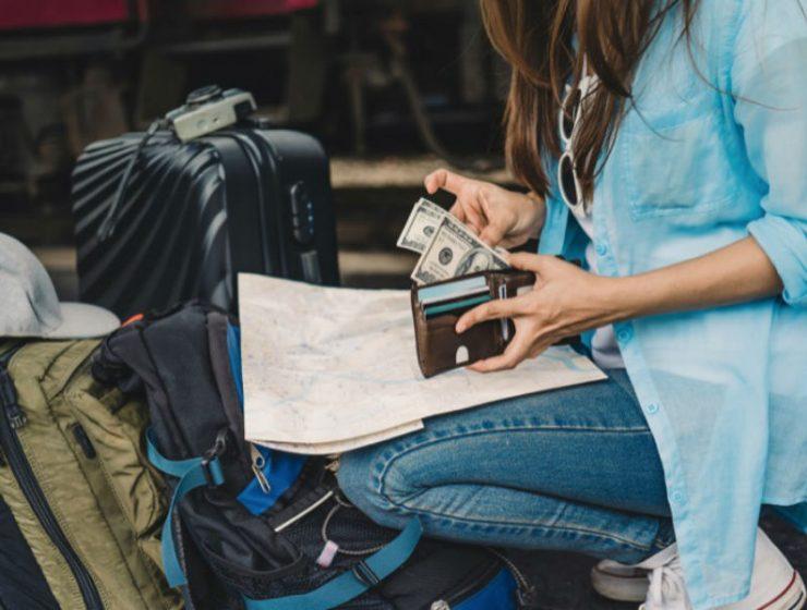 Ταξίδια με μετρητά - χρήματα