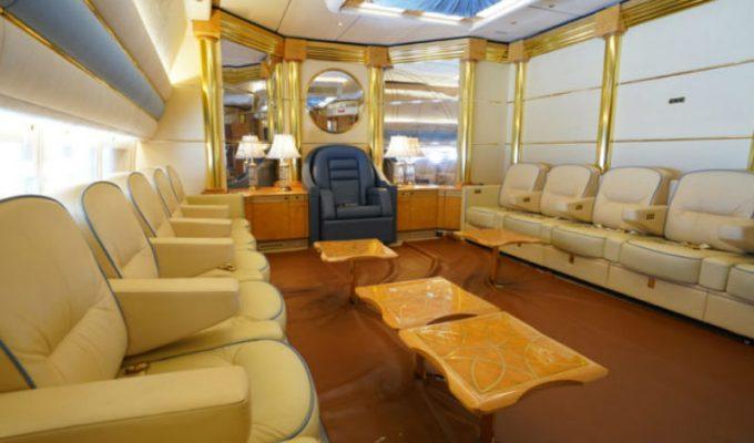 Μέσα σε ένα σπάνιο τζετ 200 εκατ. δολαρίων, που ανήκε στην βασιλική οικογένεια του Κατάρ!