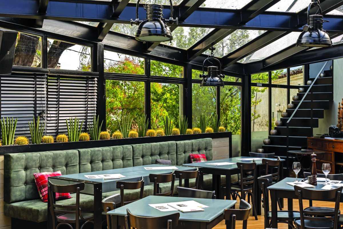 E-bar-restaurant, Αράχωβα, εξωτερικός χώρος