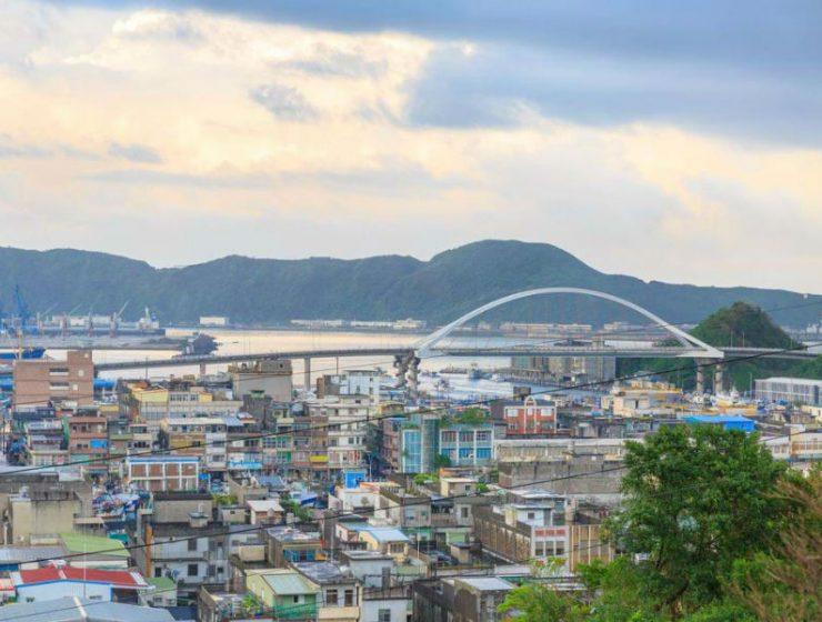 Ταϊβάν: Η ανατριχιαστική στιγμή που καταρρέει η γέφυρα