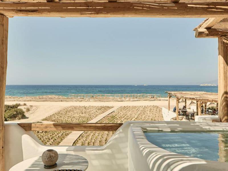 Αυτό είναι το ελληνικό ξενοδοχείο που βρέθηκε στα 100 καλύτερα του κόσμου για το 2020!