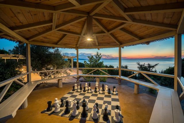 Odysseus Estate σκάκι