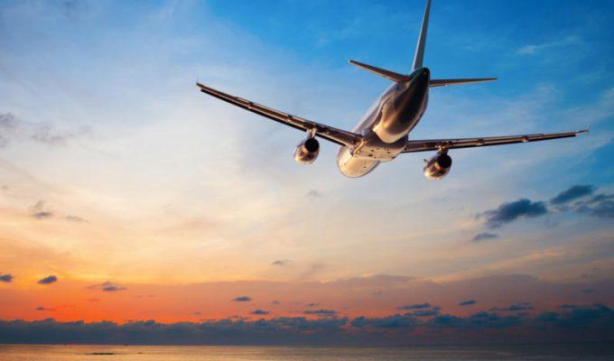 αεροπλάνα στον ειρηνικό ωκεανό