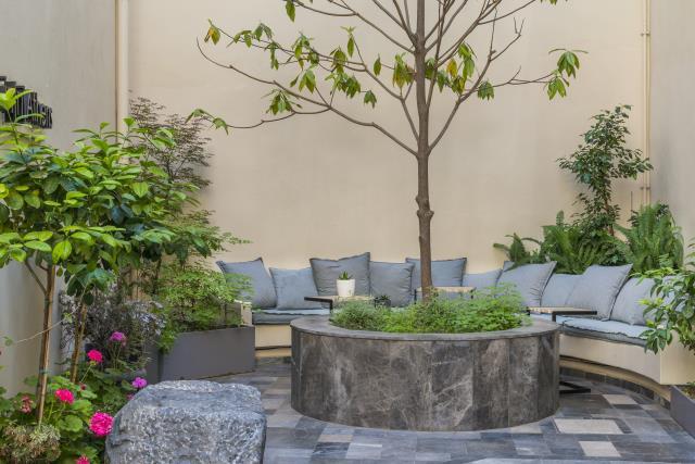 Inn Athens - καθιστικό στον κήπο