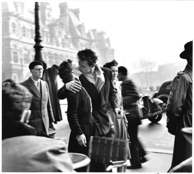 Doisneau photo - Kiss Paris 1950