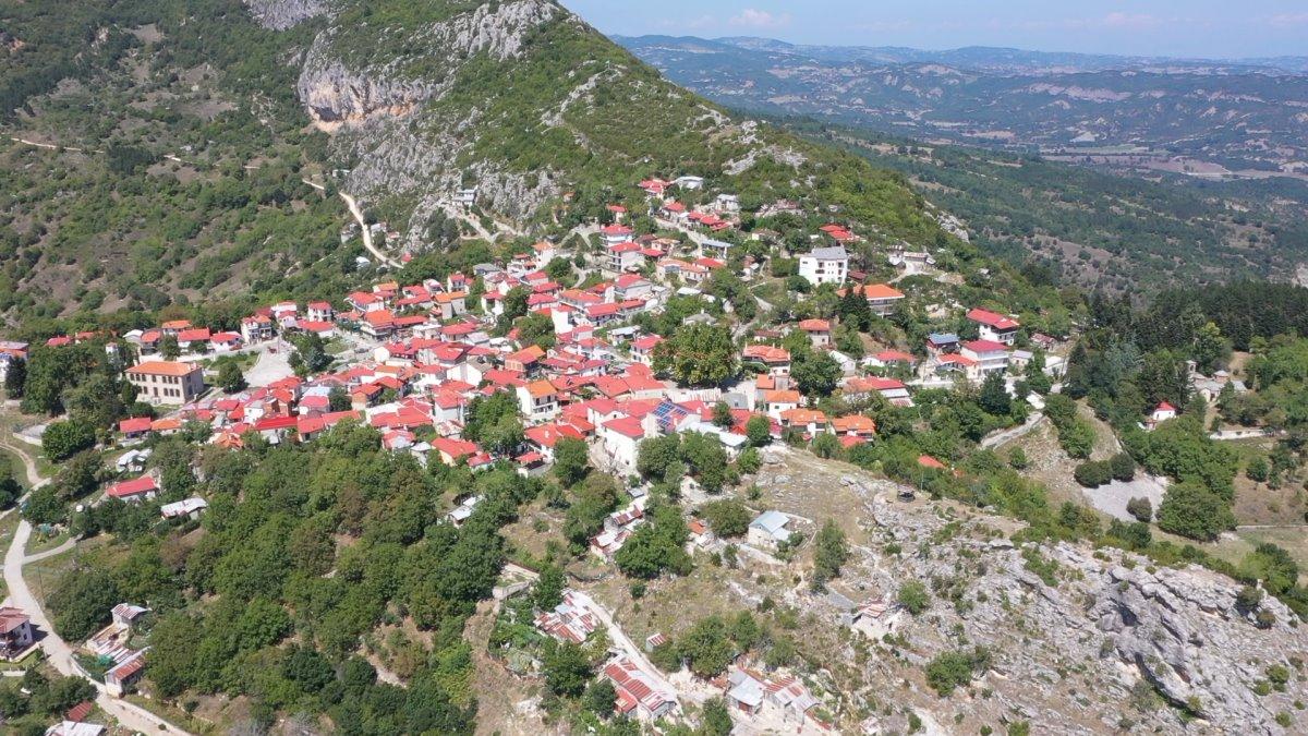 Σπήλαιο Γρεβενά όμορφο χωριό