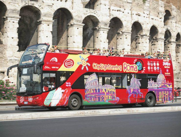 Τίτλοι τέλους για τα τουριστικά λεωφορεία στις σύγχρονες πρωτεύουσες;
