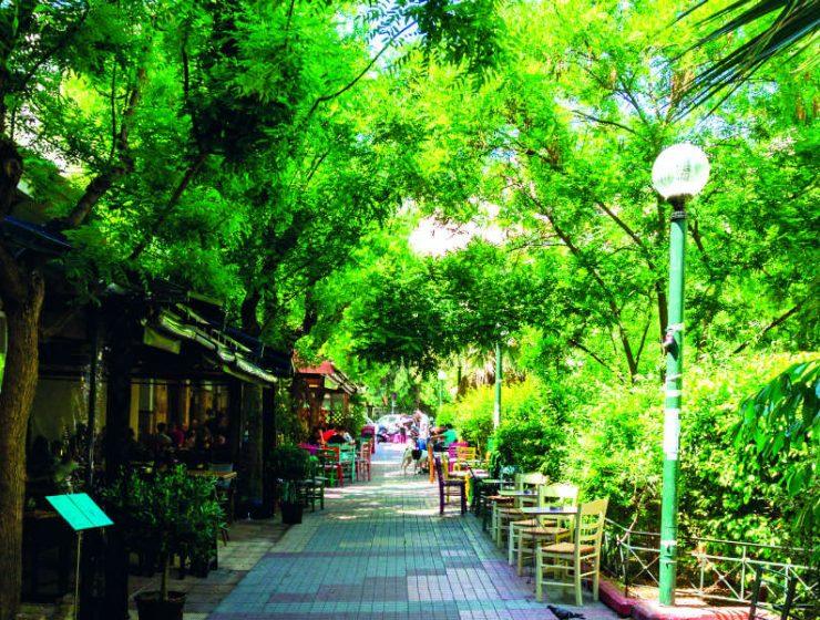 Κουκάκι: Βόλτα σε μια από τις πιο ιστορικές γειτονιές της Αθήνας